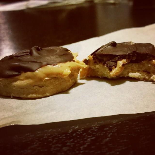 #chocolate dulce de leche, take 1. #practicemakesperfect #cookies #foodflirting #foodfiles #dessert